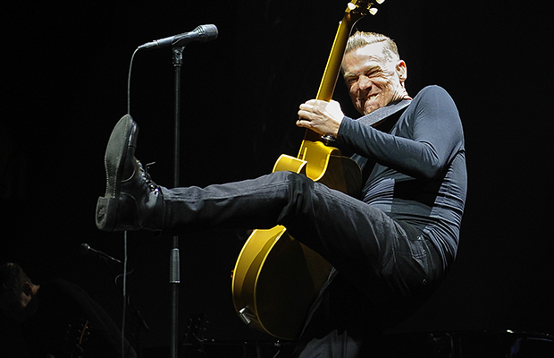 Bryan Adams at Verizon Wireless Amphitheatre at Encore Park