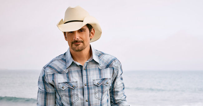 Brad Paisley, Chris Lane & Riley Green at Verizon Wireless Amphitheatre at Encore Park